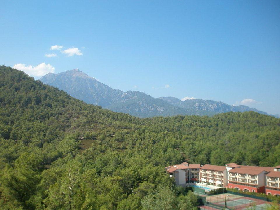 Blick auf das Taurusgebirge vom Fischrestaurant Amara Dolce Vita Luxury