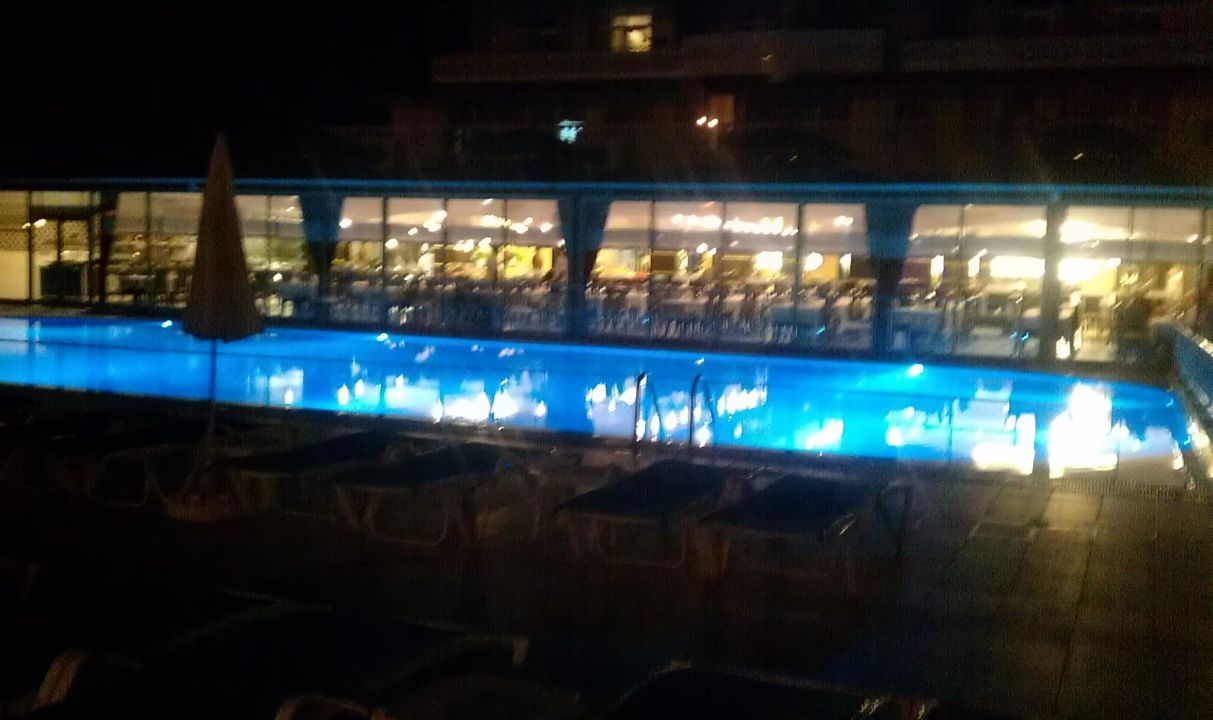 Vorderer Pool am Abend Hotel Doganay Beach Club