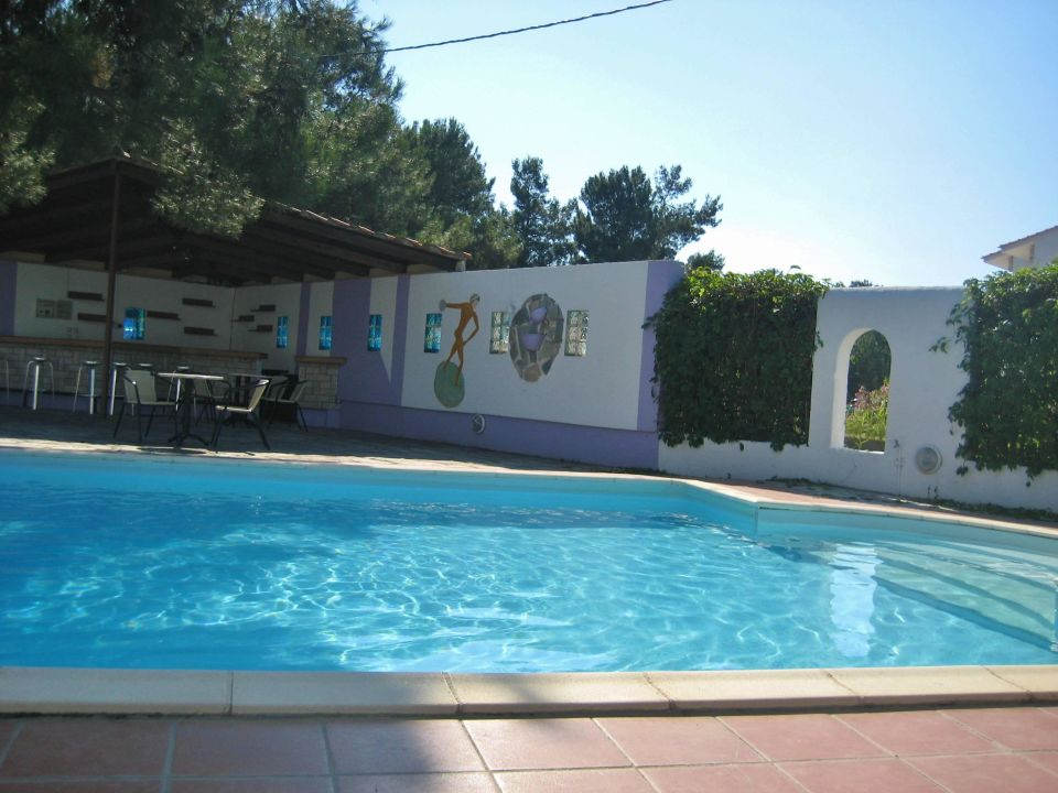 Bild poolanlage zu hotel artemis in skala prinos for 4 design hotel artemis