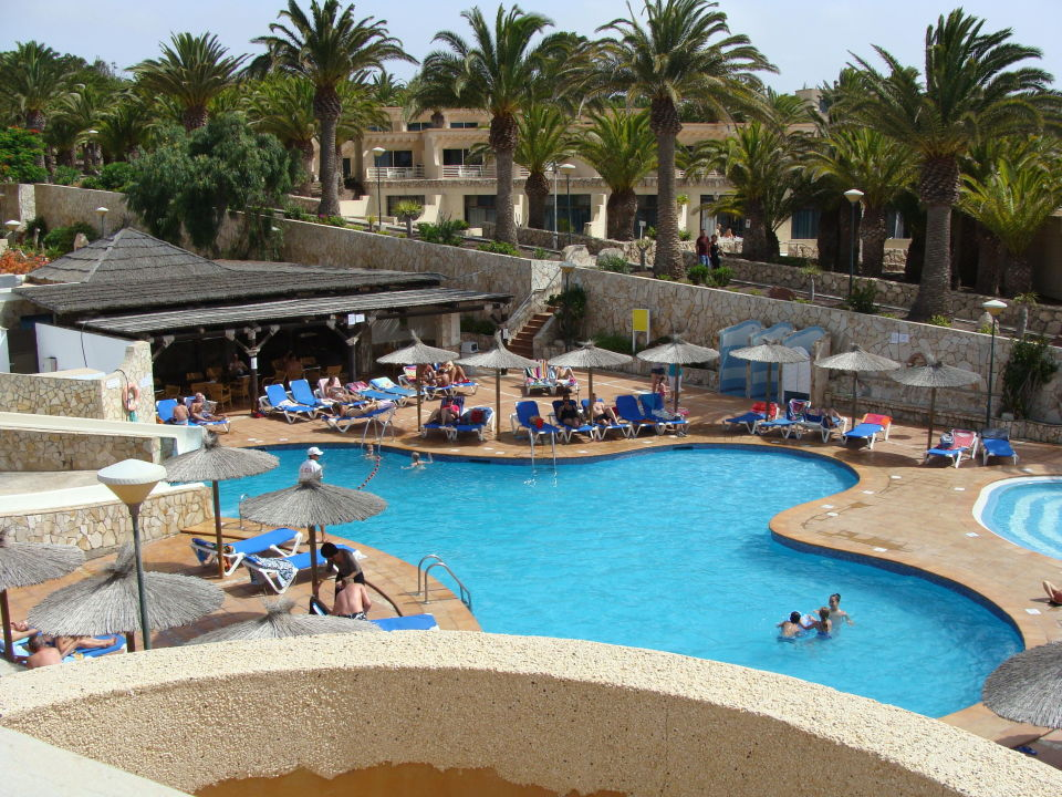 Der kleine pool mit rutsche sbh monica beach resort costa calma holidaycheck - Rutsche pool ...
