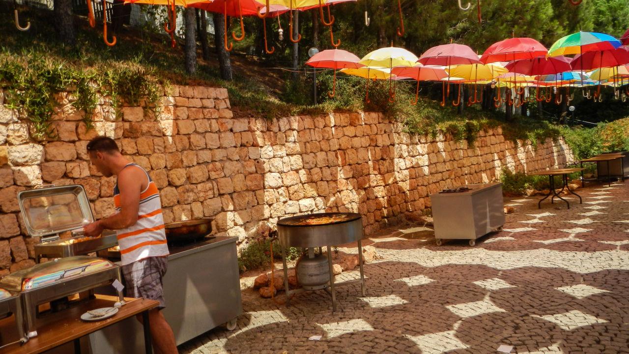 Outdoorküche Klein Cafe : Vegane outdoor küche kleine küche u form mit theke fliesen