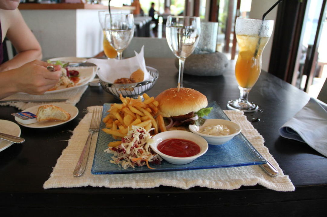 Ocean-Burger Lily Beach Resort & Spa