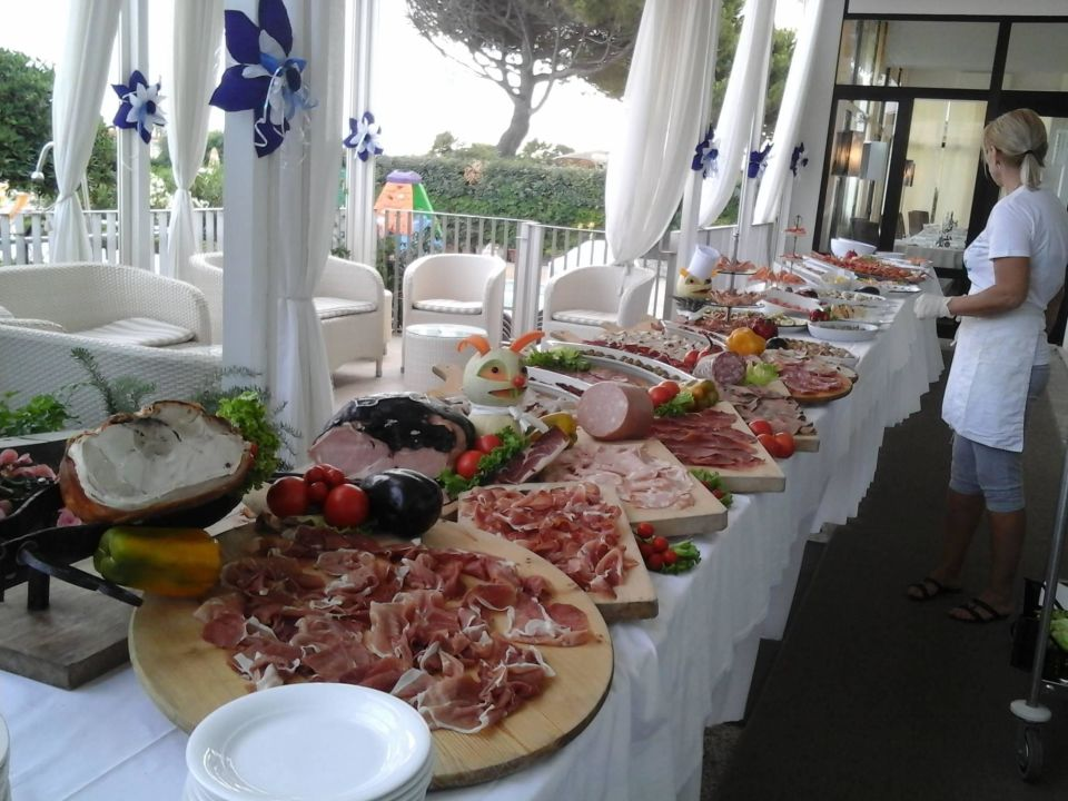Buffet am Samstag Hotel Sirenetta