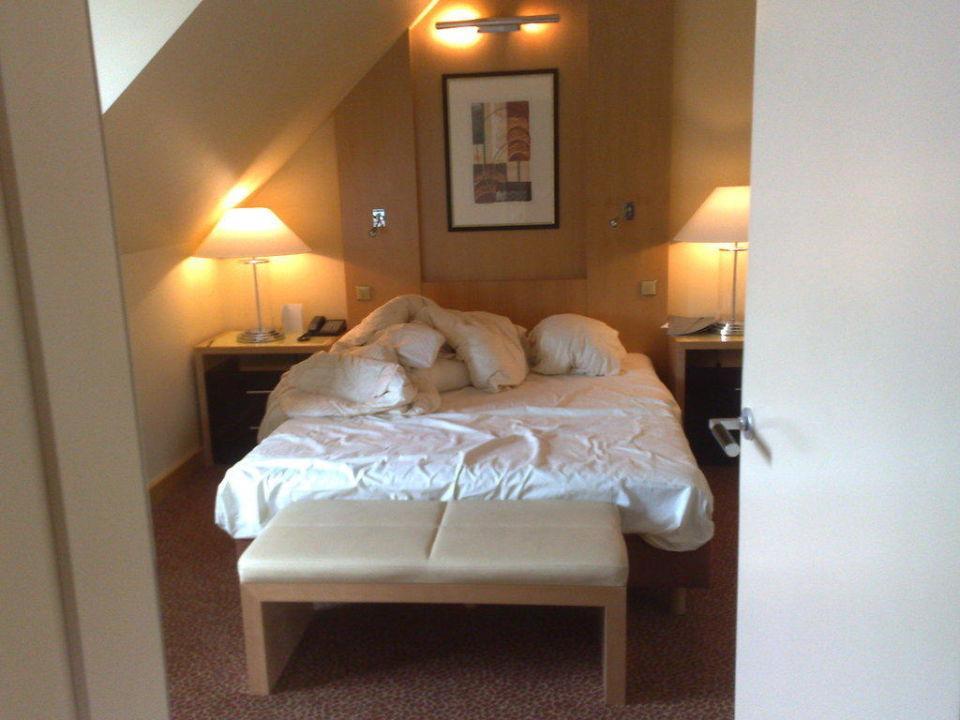 Bett Deluxe Suite Hotel Le Meridien München