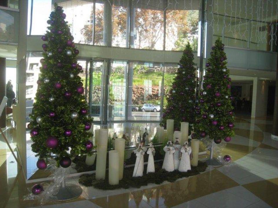 dekoration zu weihnachten pestana promenade funchal holidaycheck madeira portugal. Black Bedroom Furniture Sets. Home Design Ideas