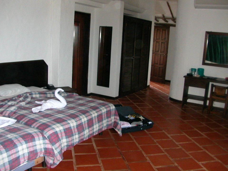 Suite 419 ( Ein Zimmer mit 2 und 2 Betten ) zu klein Hotel Pueblo Caribe