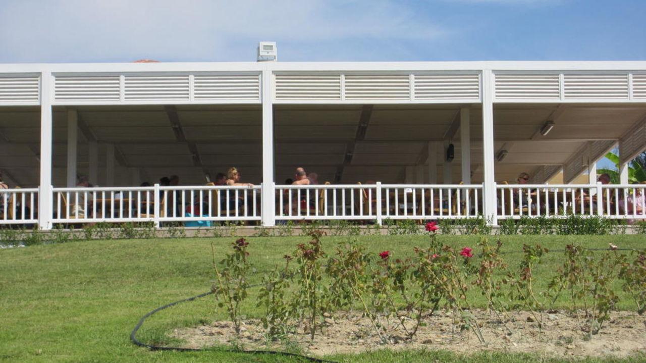 Die neue Strandbar Stone Palace Resort