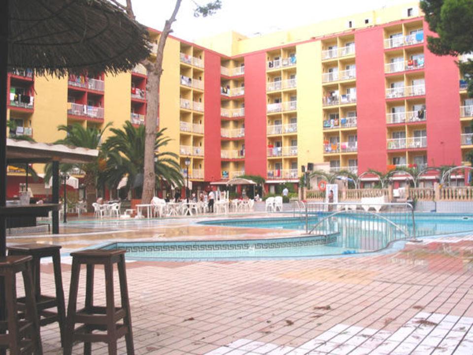 Hotel Lancaster Aussenbereich am Pool smartline Lancaster