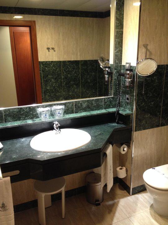 Blick ins Bad Hotel Ribera de Triana