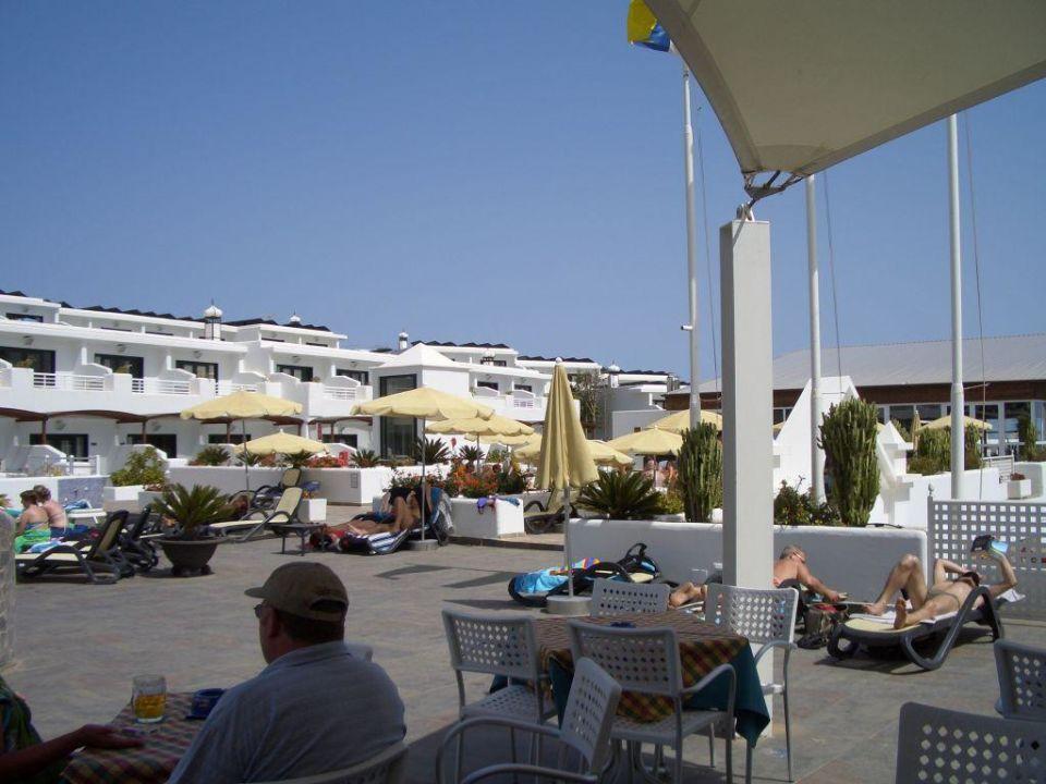 Blick von der Poolbar Relaxia Lanzaplaya Apartments