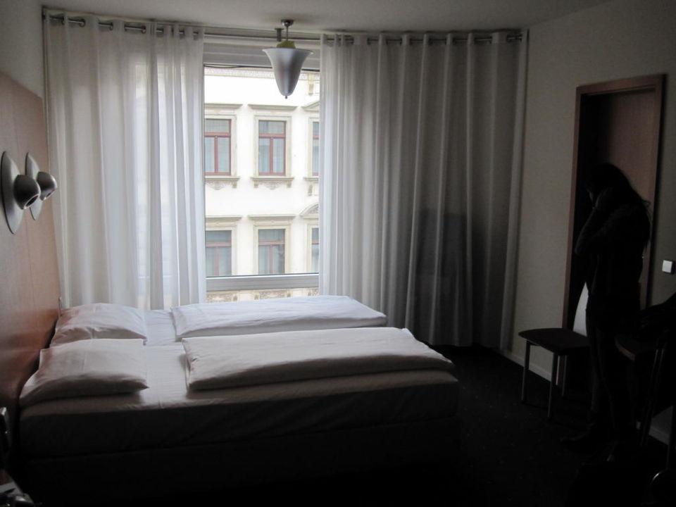 Blick ins Zimmer Penck Hotel Dresden