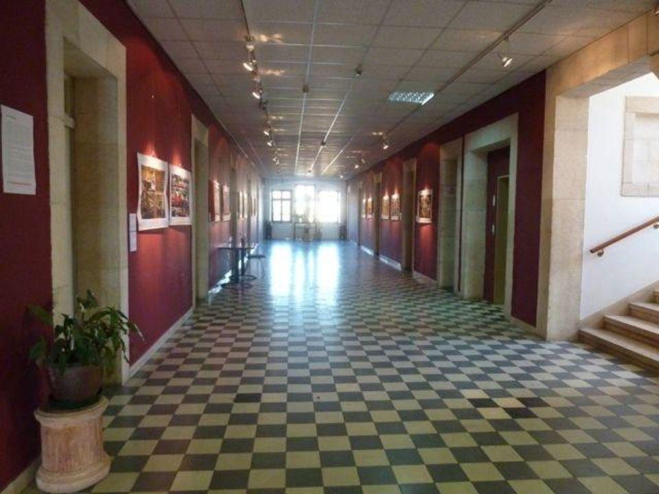 Alte Flure Gastehaus Osterreichisches Hospiz Zur Hl Familie