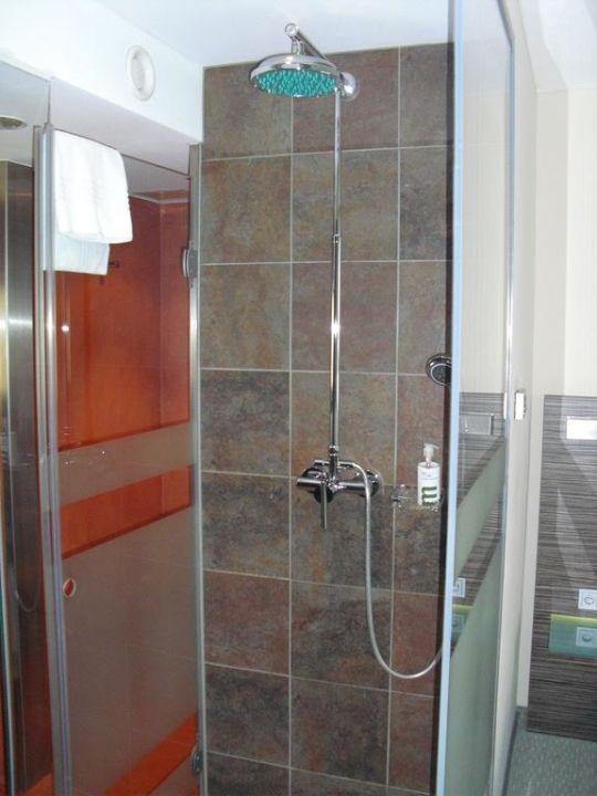 Dusche Mitten Im Raum zimmer 229 dusche mitten im raum novina hotel wöhrdersee nürnberg