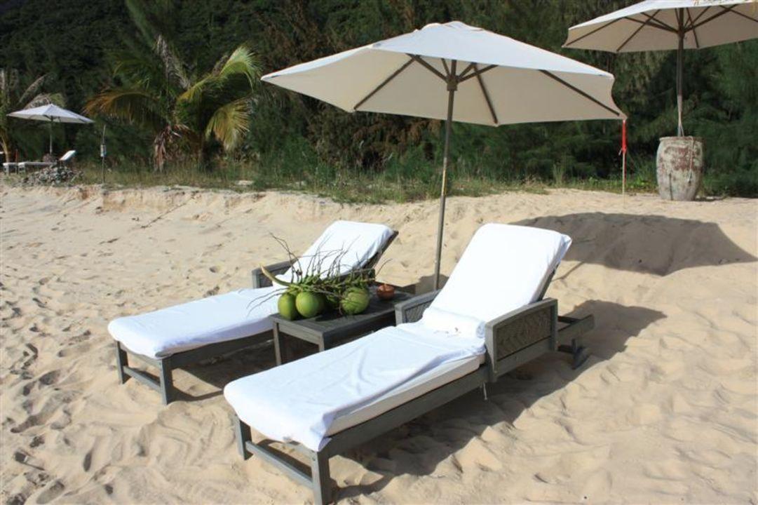 Strandliegen L'Alyana Ninh Van Bay Villas