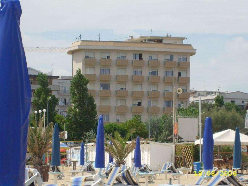 aussenansicht vom strand aus Hotel Waldorf