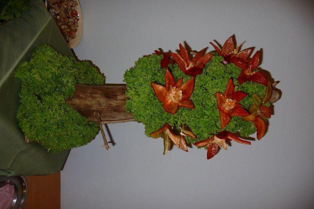 Die Blüten sind aus Paprika Hotel Calypso Beach