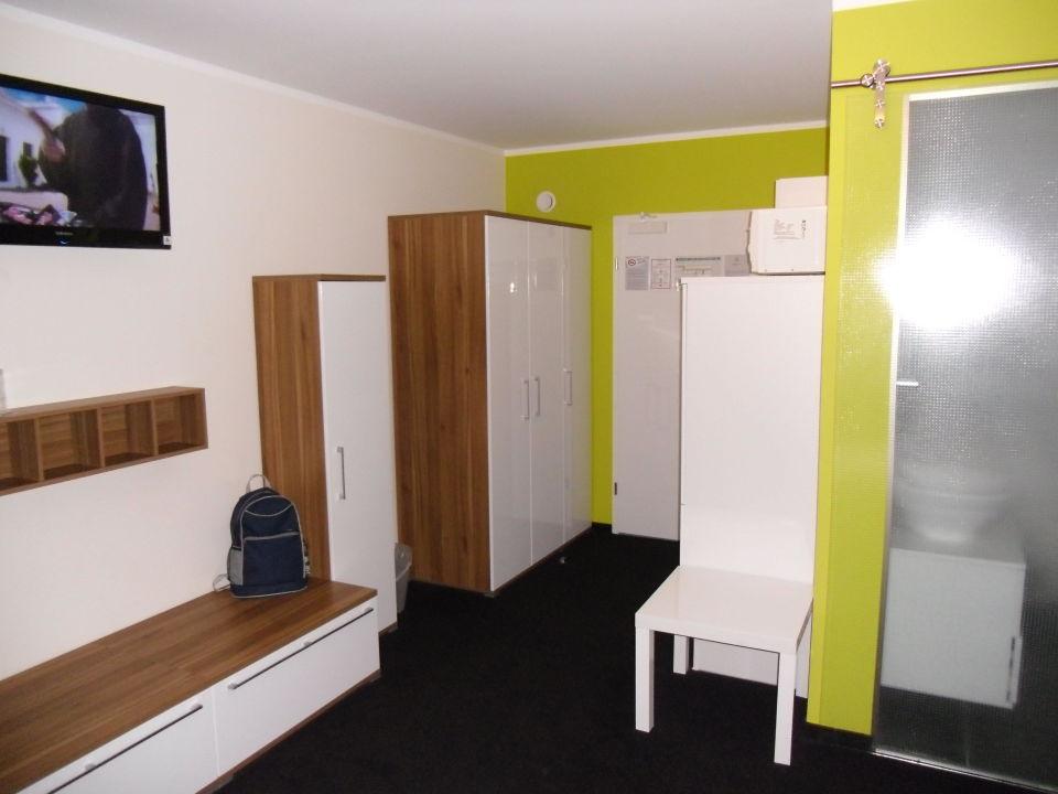 Kleiderschrank Viel Stauraum Safe Novum Hotel Aviva Leipzig Neue