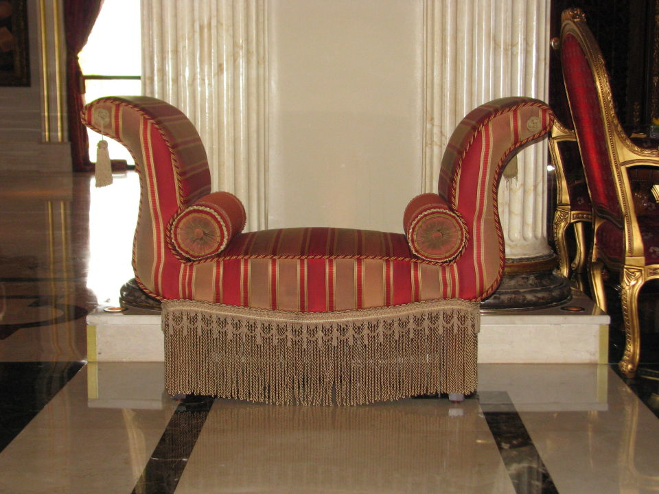 gem tlicher sessel in der lobby mardan palace. Black Bedroom Furniture Sets. Home Design Ideas