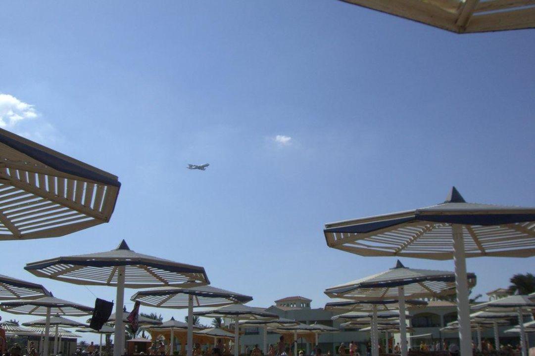 Flieger über Hotelanlage Dana Beach Resort