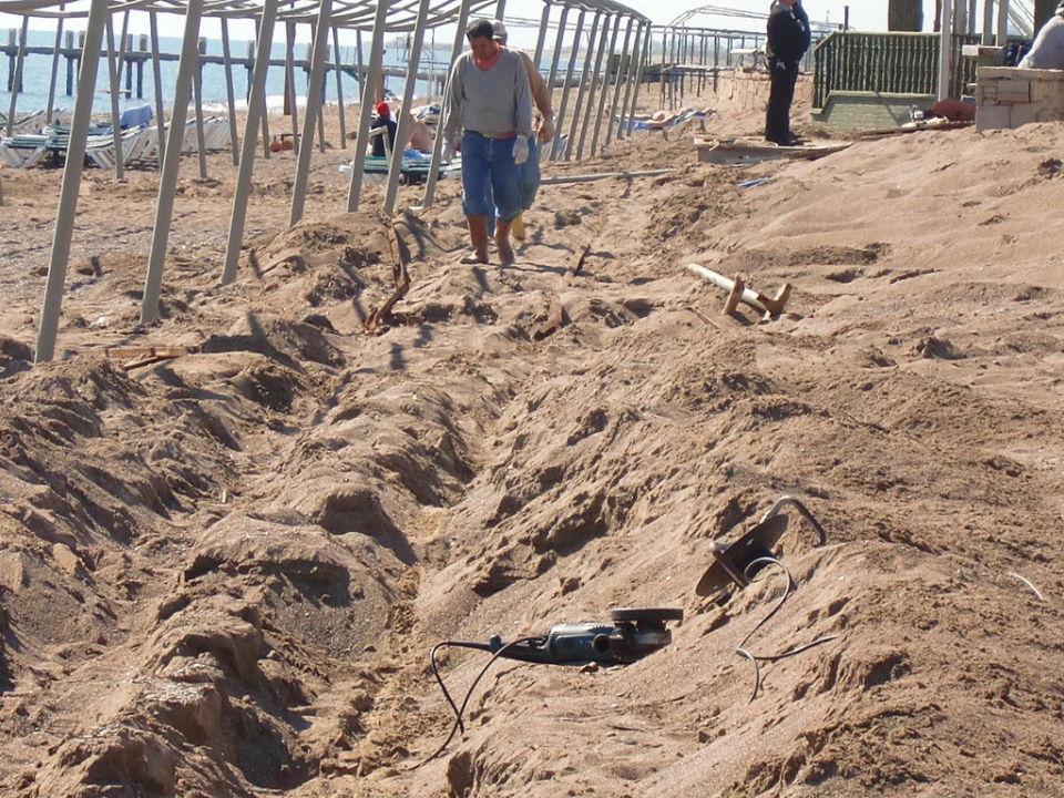 Strand in der 2. Woche nach Saisoneröffnung Club Mega Saray