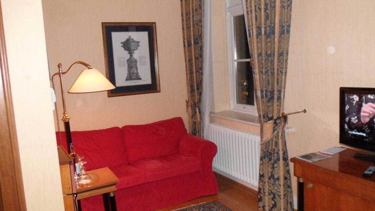 Beeindruckend Kleine Sofaecke Foto Von Zimmer 210 - Genießer Hotel Altes Gymnasium