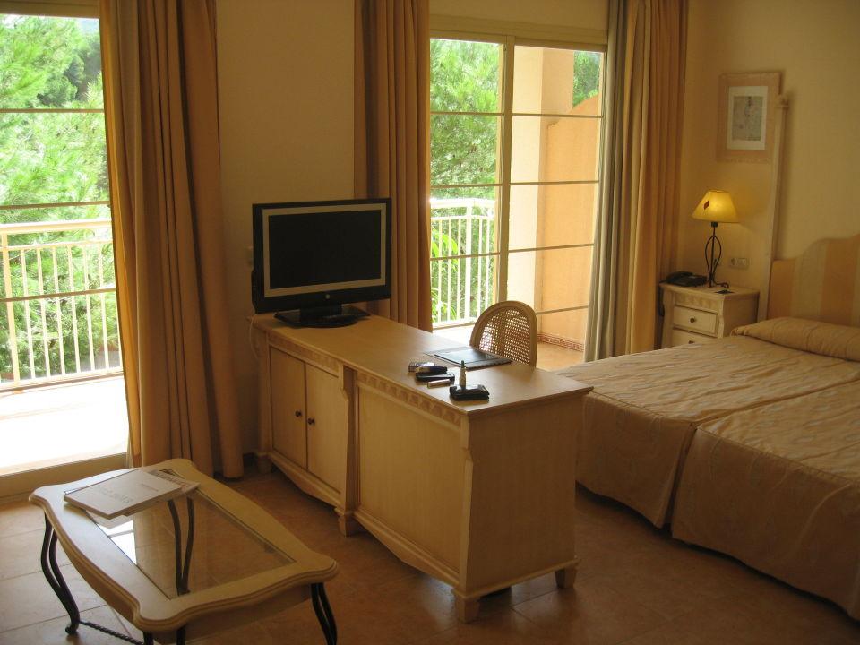 junior suite vanity hotel suite spa cala mesquida holidaycheck mallorca spanien. Black Bedroom Furniture Sets. Home Design Ideas