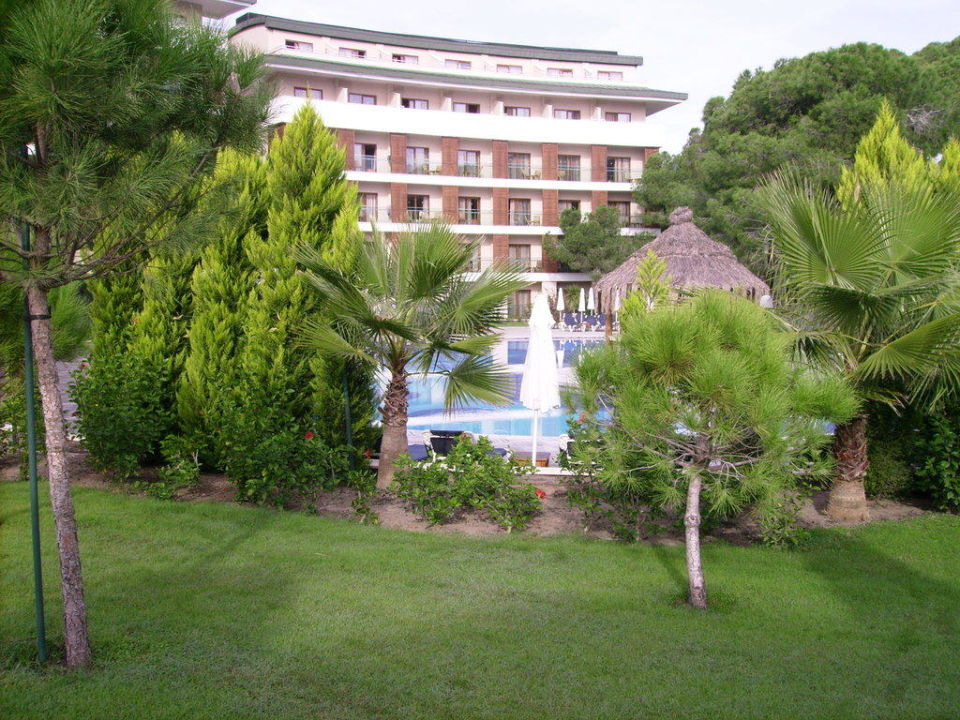 Pool mit Nebengebäude Voyage Belek Golf & Spa