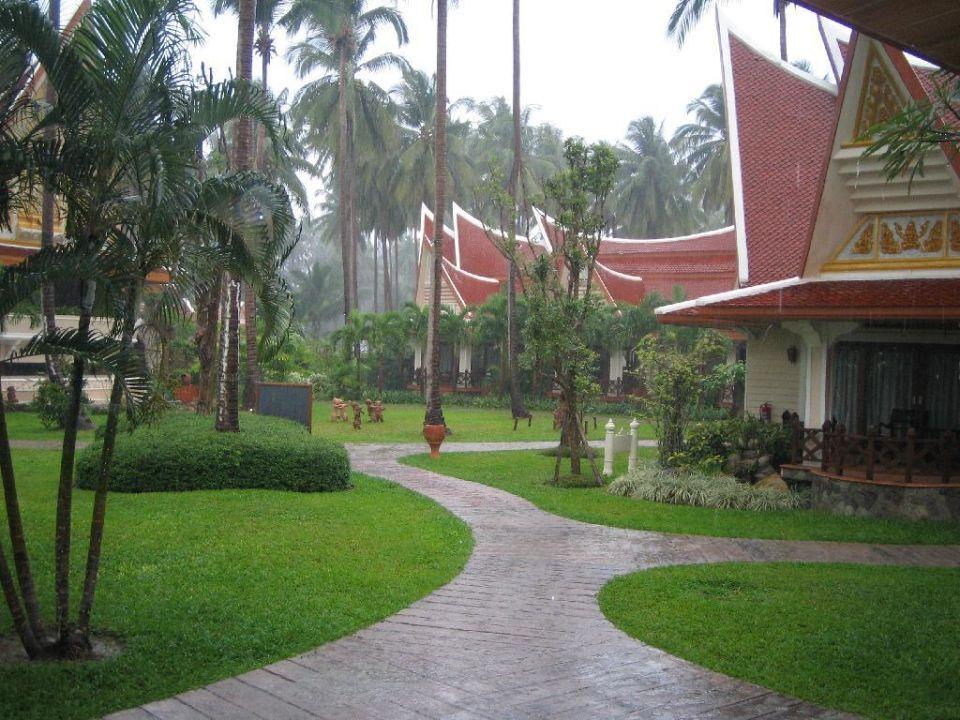 Manchmal  regnet es auch hier! Santhiya Tree Koh Chang Resort