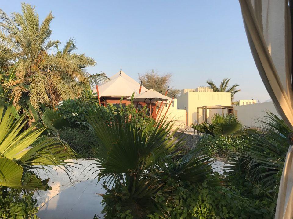 Gartenanlage The Ritz-Carlton Ras Al Khaimah Al Hamra Beach