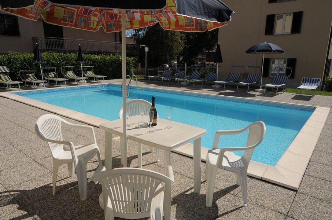 Sunbeds Lakeside Holiday Resort