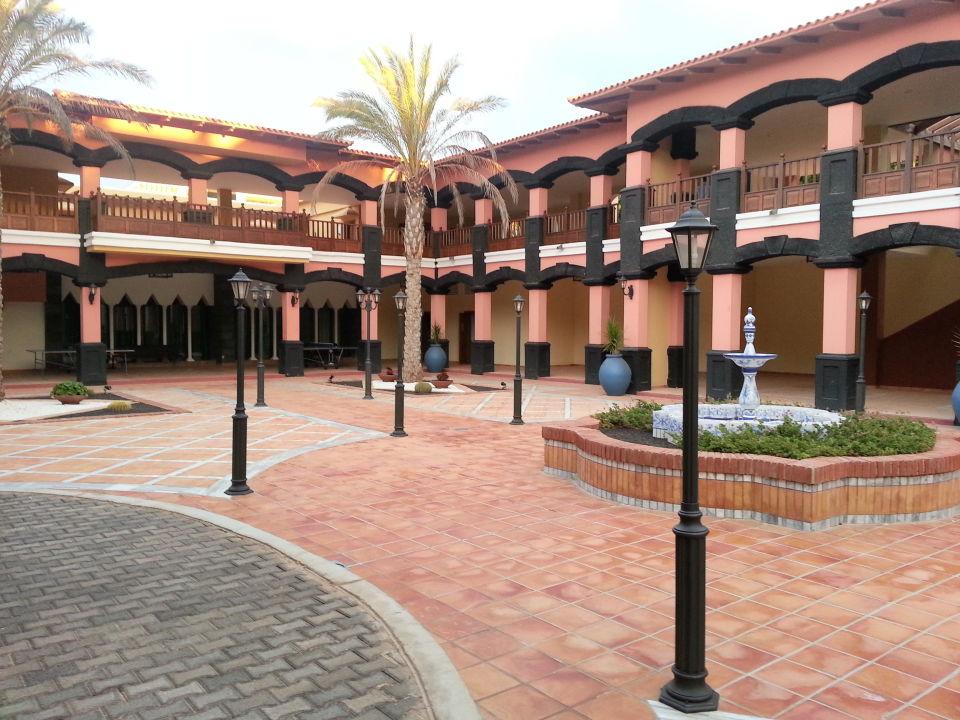 Spanischer Innenhof spanischer innenhof hotel h10 rubicon palace playa blanca