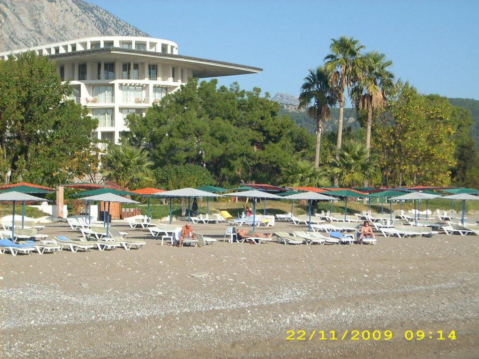 Der Strand vom Steg aus fotografiert Kilikya Palace Göynük