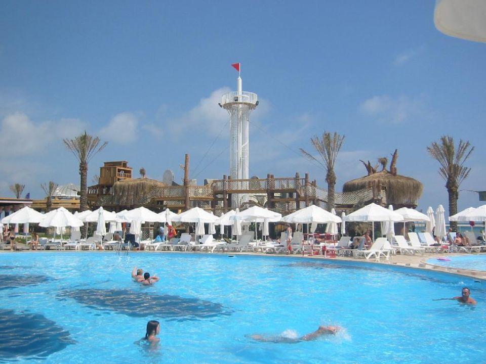 Pool bei den Riesenrutschen Hotel Cesars Temple DeLuxe Belek