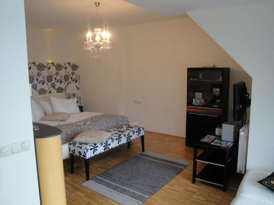 bild badezimmer whirlpool zu hotel garni loipenhof in. Black Bedroom Furniture Sets. Home Design Ideas