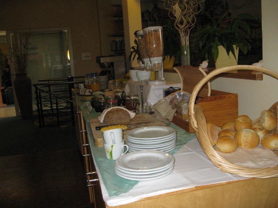 Frühstücksbüffet Check Inn Hotel