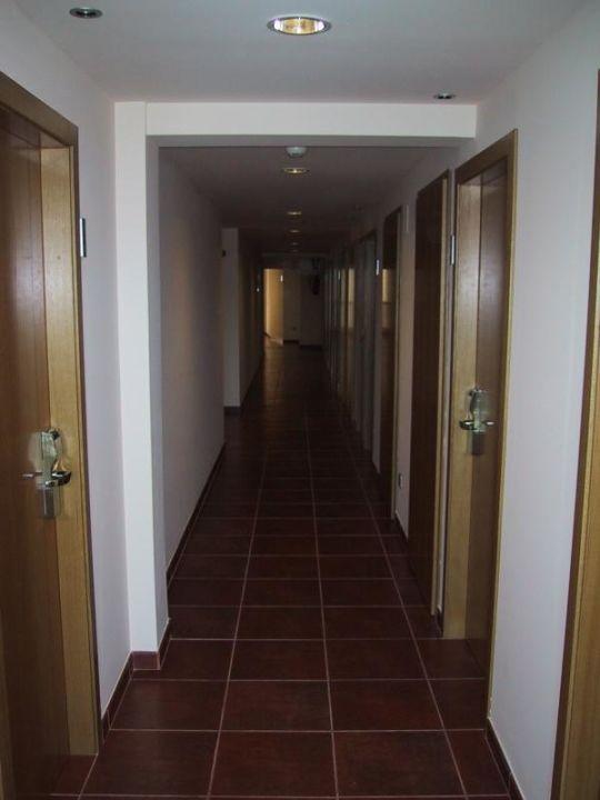 Hotel na Forana, Flur zu den Zimmern Hotel Na Forana