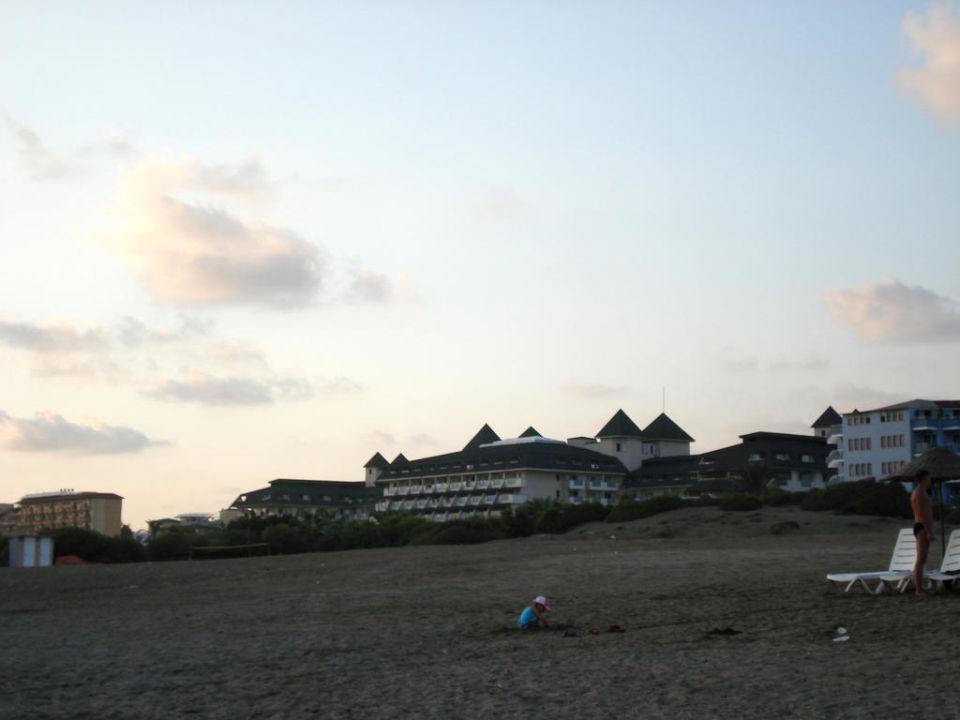 Das Arancia Hotel vom Strand aus MC Arancia Resort