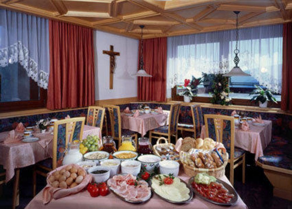 """speisesaal"""" hotel hofer in maranza / meransen • holidaycheck, Esstisch ideennn"""