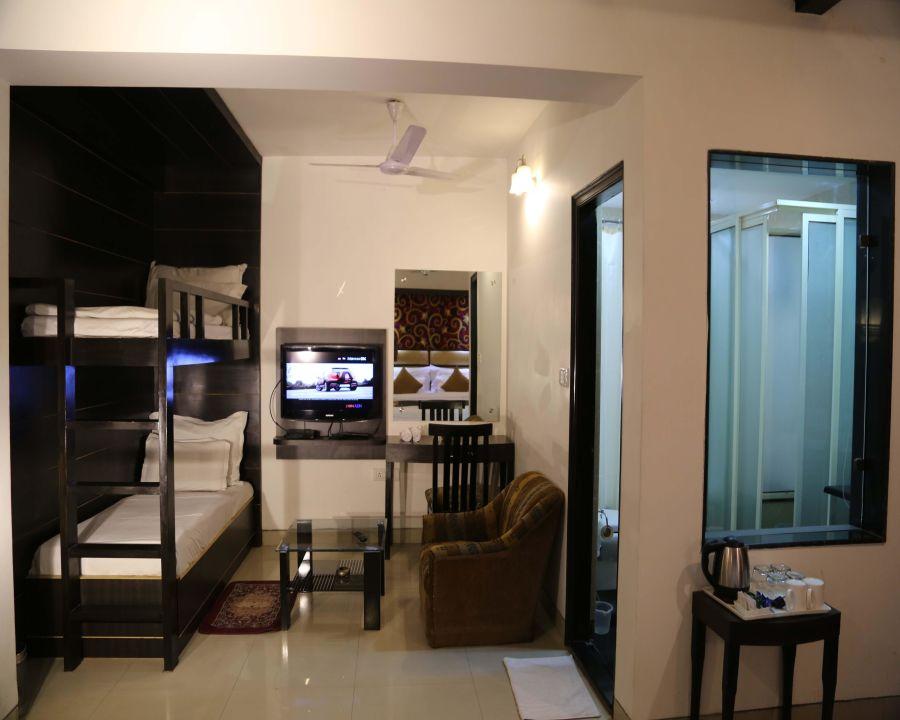 Guest Room Hotel Sri Nanak Continental