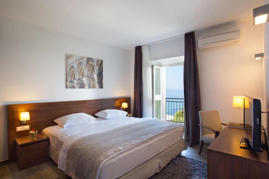 Zimmer Hotel Astarea