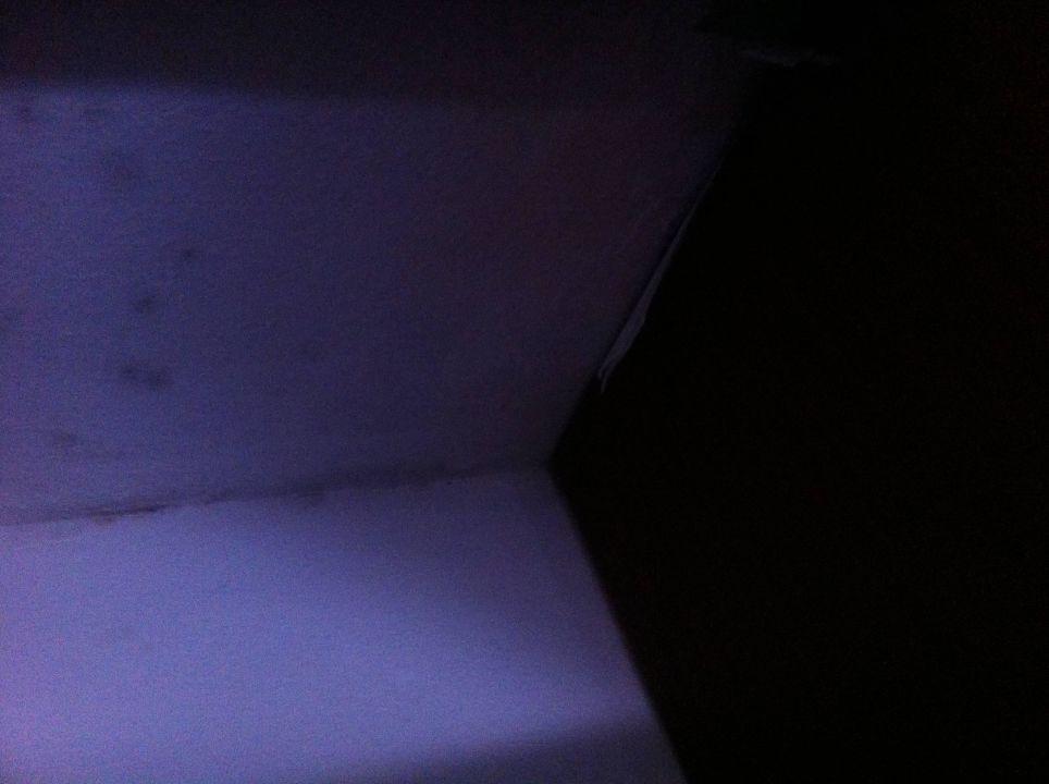 bild schrank schimmel zu hsm son veri im umbau. Black Bedroom Furniture Sets. Home Design Ideas
