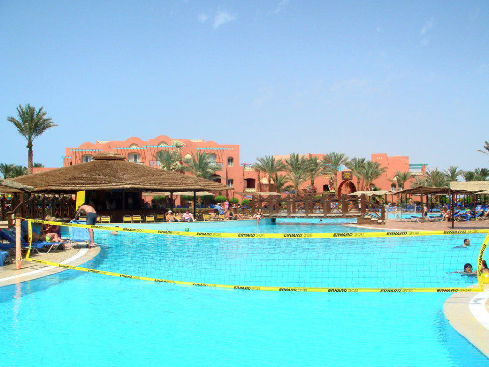 Blick über den Pool zur Poolbar TUI MAGIC LIFE Sharm el Sheikh
