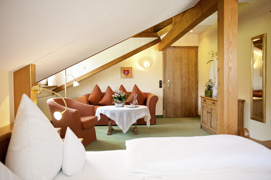Ein Gastezimmer Kurhotel Landhaus Konig Grunenbach Holidaycheck
