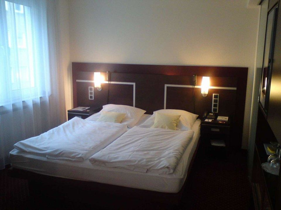 wasserbett mit massagefunktion ringhotel drees dortmund. Black Bedroom Furniture Sets. Home Design Ideas