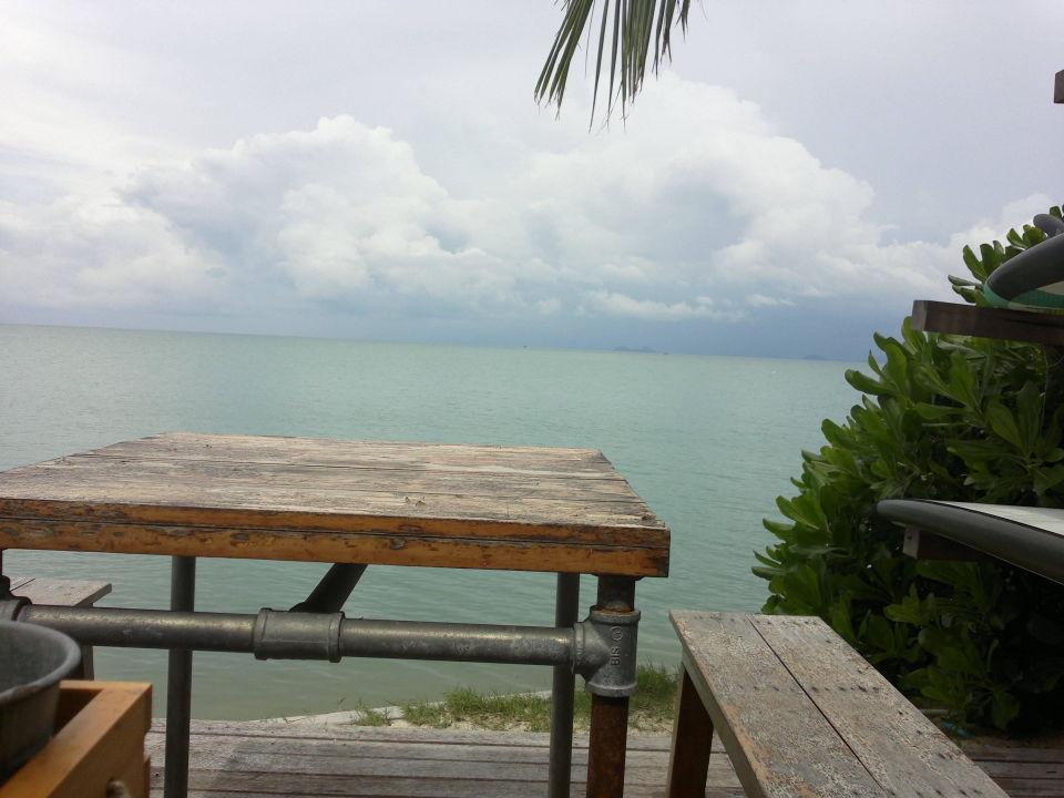bild fr hst ck am meer zu escape beach resort in maenam. Black Bedroom Furniture Sets. Home Design Ideas