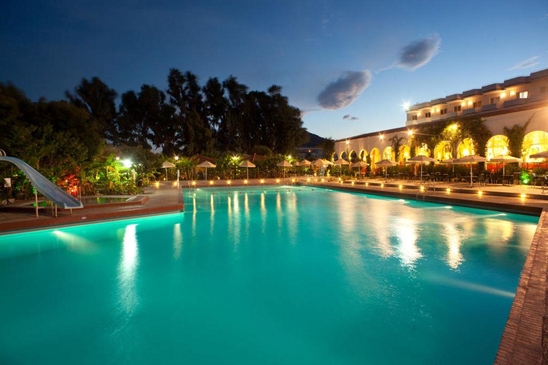 Poolanlage Irene Palace Beach Resort