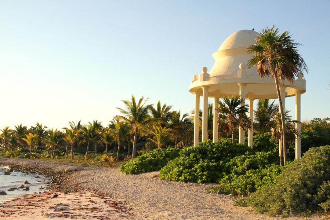 Пляж Grand Palladium White Sand Resort & Spa