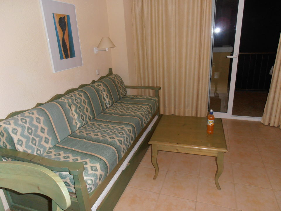ausziehbares sofa im wohnzimmer 2 personen iberostar alcudia park platja de muro playa de. Black Bedroom Furniture Sets. Home Design Ideas