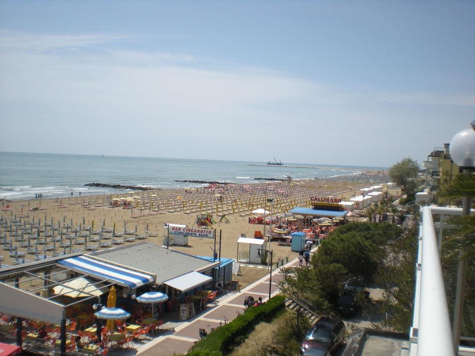 Blick auf den Strand Hotel Miramare