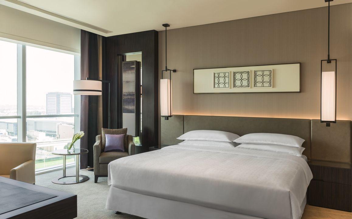 Zimmer Sheraton Grand Hotel